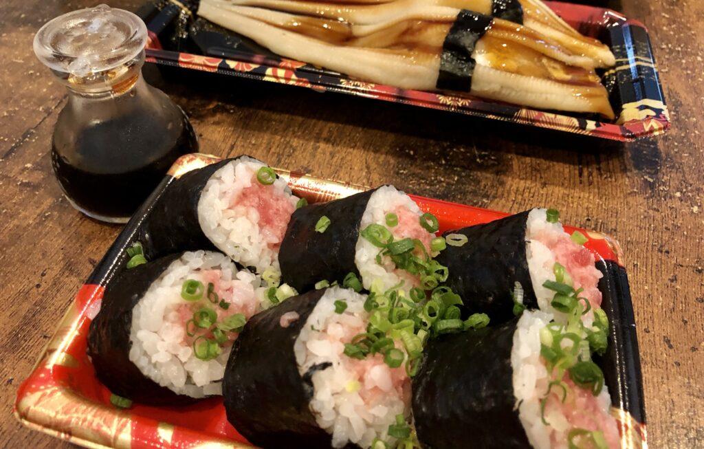 角上ねぎとろ巻とあなご寿司
